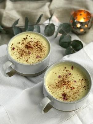 Ayurvedic_saffron_milk.jpg