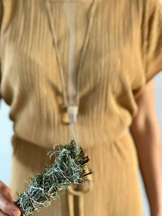How To Make Smudge Sticks – Ana Tabain